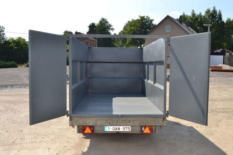 Construction d'un container pour remorque tri-benne