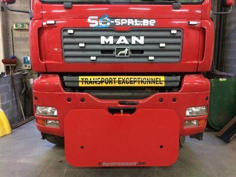 Montage plaque DIN sur camion MAN